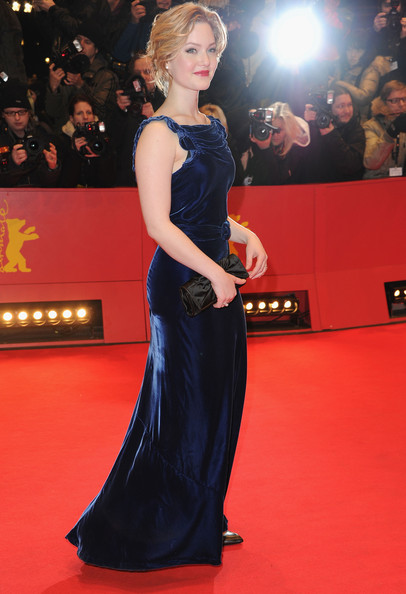 Holliday Grainger height