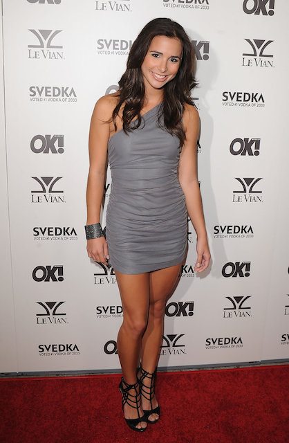 Josie Loren height is 5 ft 2 in or 157 cm.