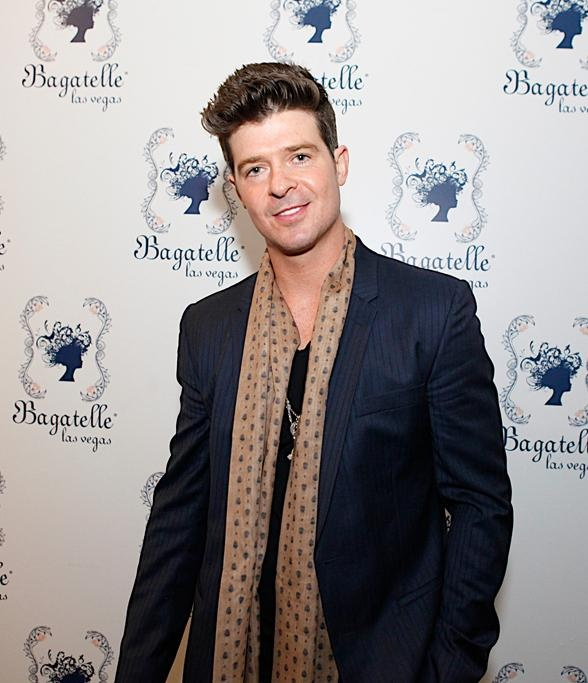 Robin Thicke in a classic man suit