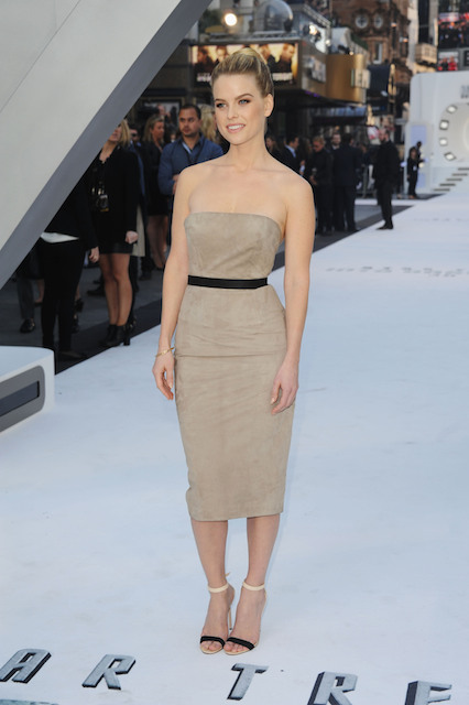 Alice Eve Height Weight Body Statistics Healthy Celeb