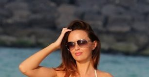 Jennifer Metcalfe bra size