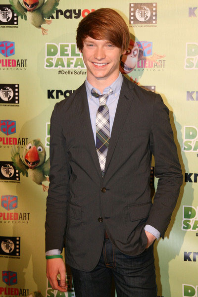 Calum Worthy height is 5 ft 11 in or 180 cm.