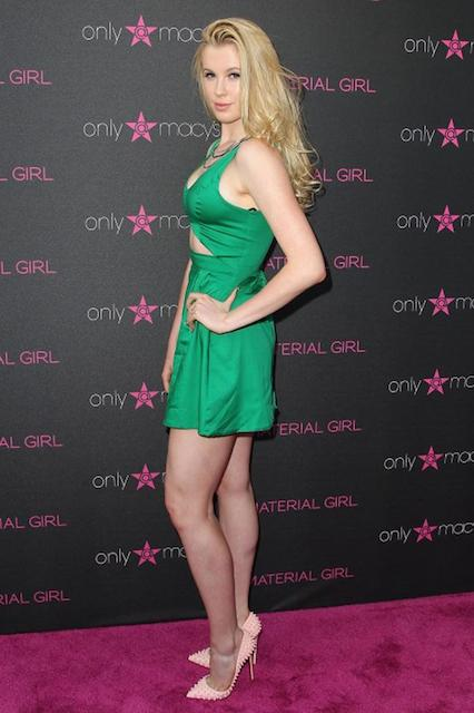 Ireland Baldwin height