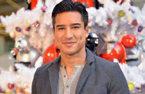 The 43-year old son of father Mario Michael Lopez Sr. and mother Elvia Lopez, 178 cm tall Mario Lopez in 2017 photo