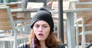 Phoebe Tonkin Workout Routine and Diet Plan