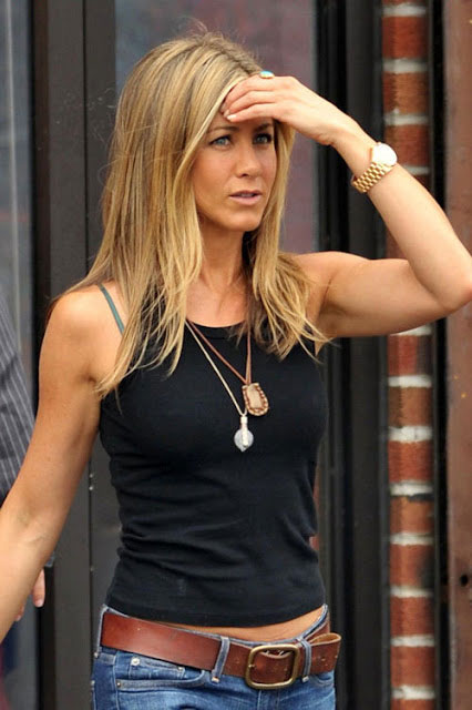 Jennifer Aniston arms 2014