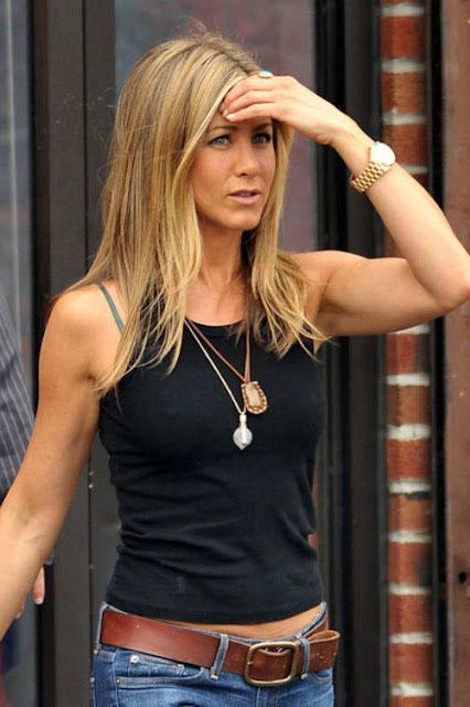 Jennifer Aniston arms 2014