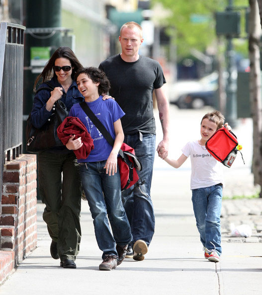 Jennifer Connelly and Paul Bettany with family