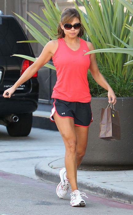 Vanessa Minnillo Lachey in workout gear