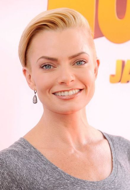 Jaime Pressly Height Weight Body Statistics Biography Healthy Celeb