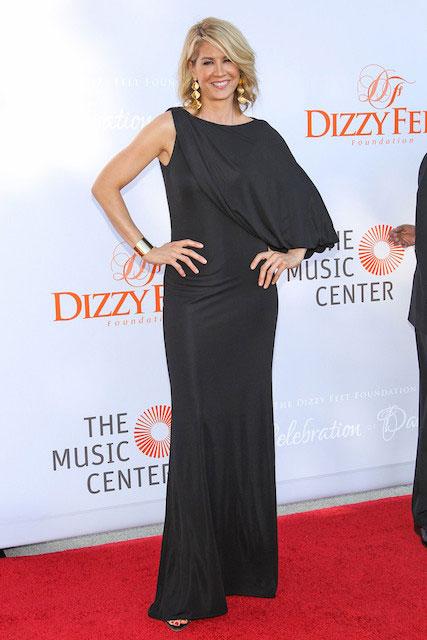 Jenna Elfman height