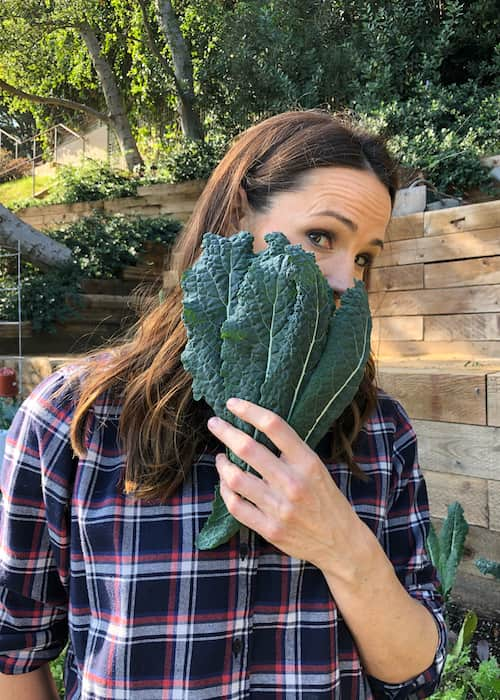 Jennifer Garner with kale leaves in February 2018