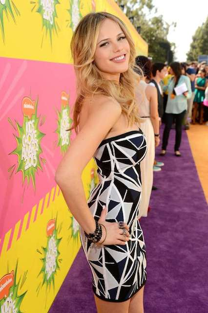 Halston Sage at 2013 Kids Choice Awards