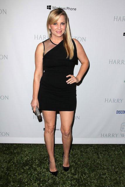 Jessica Capshaw hot
