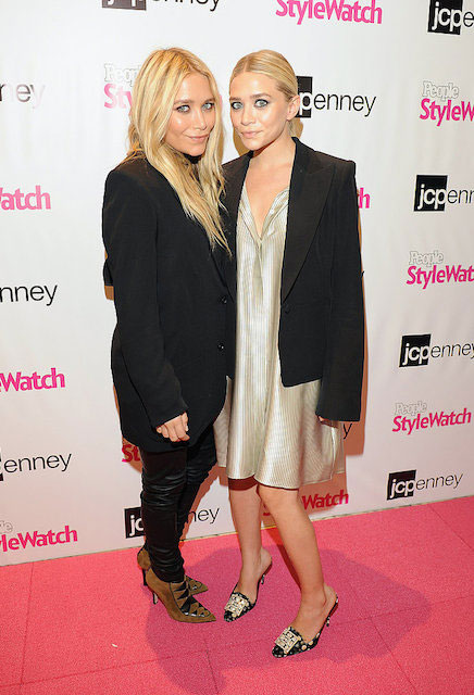 Twin sisters, Mary-Kate Olsen (Left) and Ashley Olsen