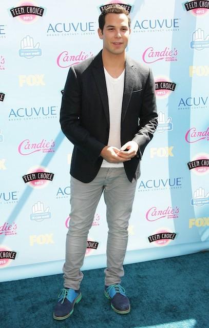 Skylar Astin at MTV Movie Awards 2013