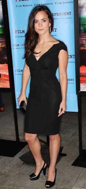 Alice Braga height