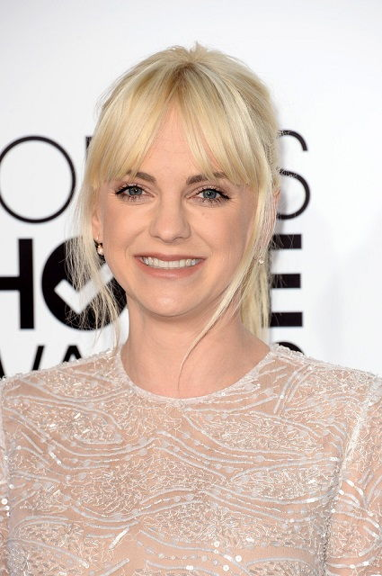 Anna Faris at 2014 People's Choice Awards