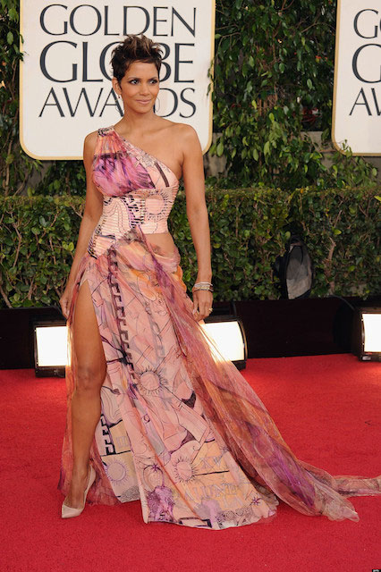 Halle Berry at Golden Globe Awards 2013