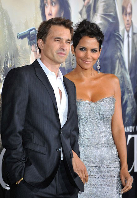 Halle Berry and Olivier Martinez at the Los Angeles premiere of Cloud Atlas (2012) at Graumans Chinese Theatre in Hollywood