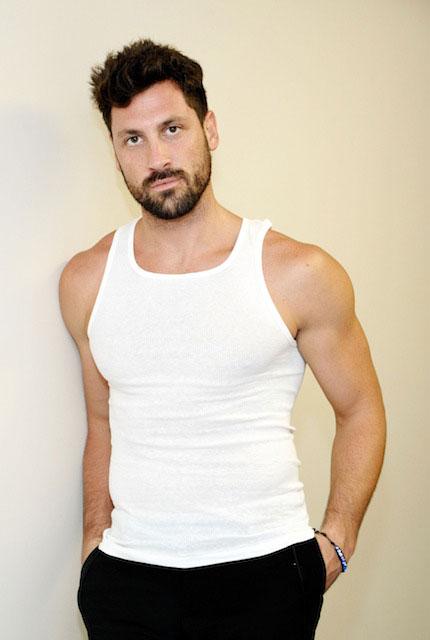 Maksim Chmerkovskiy biceps