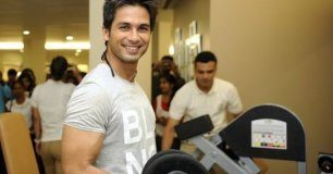 Shahid Kapoor in gym