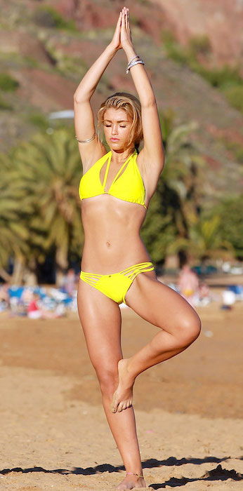Amy Willerton beach yoga