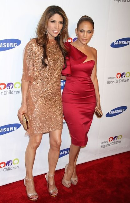 Sisters Lynda Lopez and Jennifer Lopez