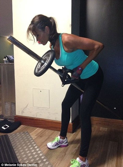 Melanie Sykes doing back workout