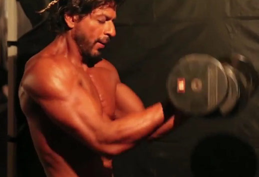 Shahrukh Khan working out for Happy New Year