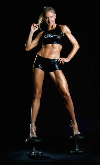 Belinda Benn body transformation after starting workouts.