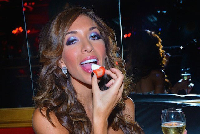 Farrah Abraham eating