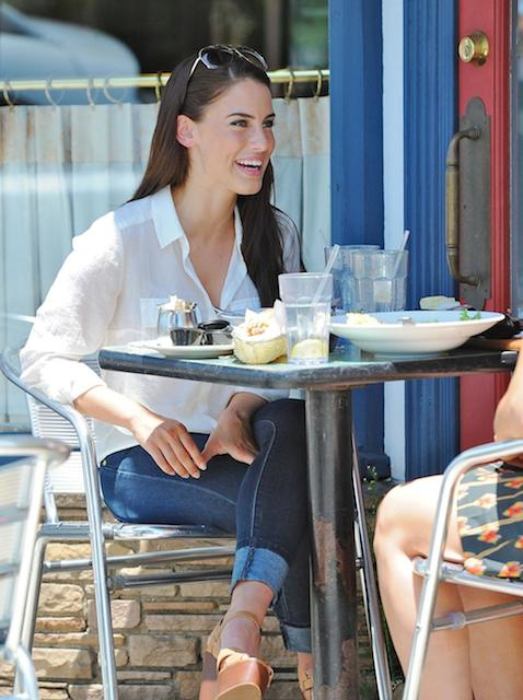 Jessica Lowndes eats lunch at LA Conversation Cafe in West Hollywood.