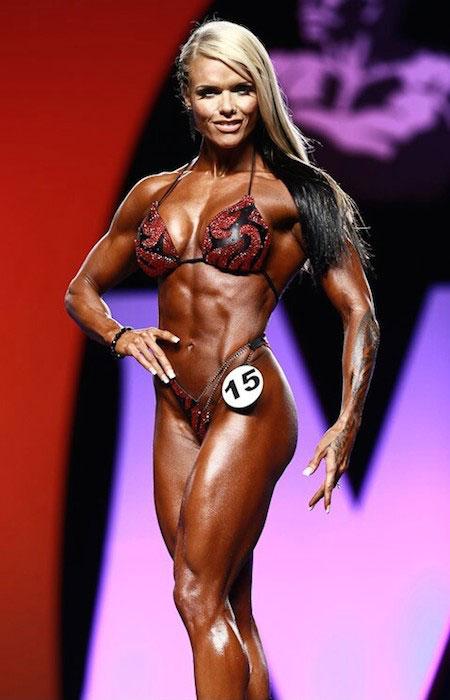 Larissa Reis body
