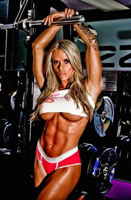 Larissa Reis workout