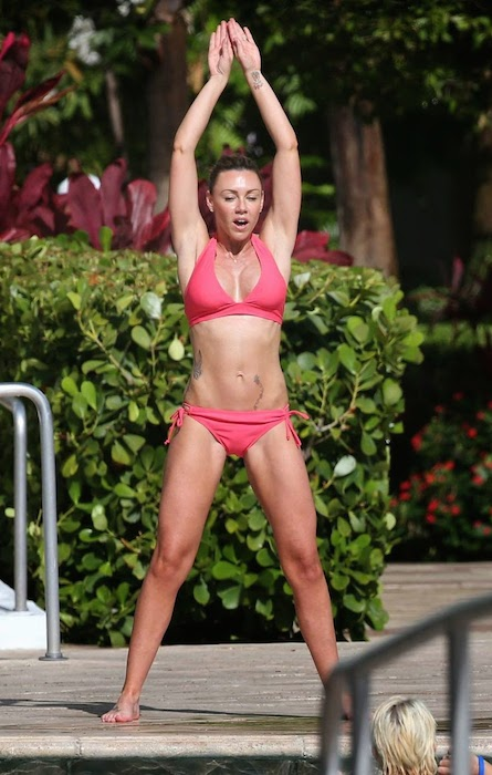 Michelle Heaton working out.