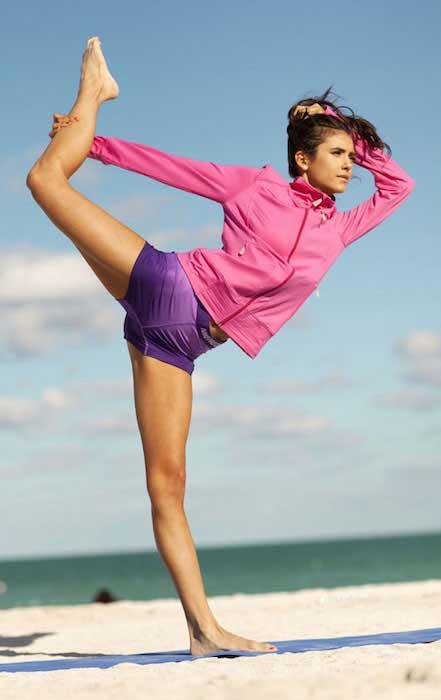 Nina Dobrev fit