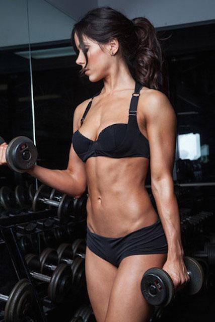 Rachel Nicole biceps workout.