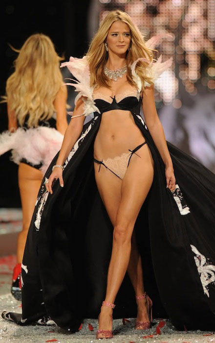 Carmen Kass during Victoria's Secret Fashion Show.