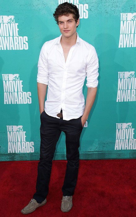 Daniel Sharman at 2012 MTV Movie Awards.