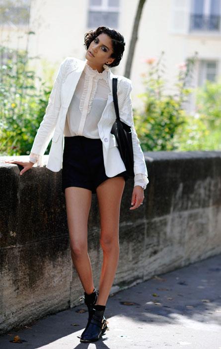Hadassa Lima in shorts