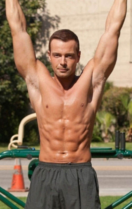 Joey Lawrence body shirtless