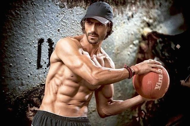 Arjun rampal workout routine and diet tips healthy celeb arjun rampal showing his six pack abs thecheapjerseys Image collections