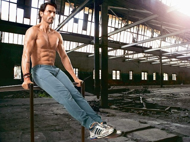 Arjun Rampal fit body