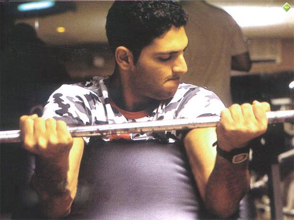 Yuvraj Singh Biceps Workout.