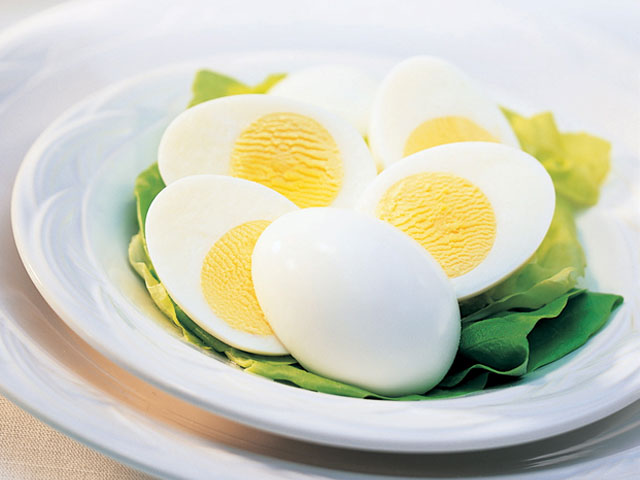 Eggs contain proteins