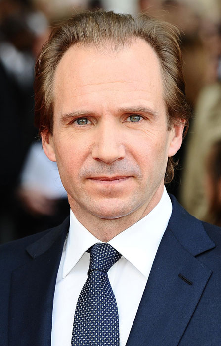Ralph Fiennes Height W...