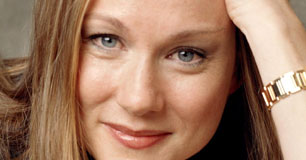 Laura Linney Height, Weight, Age, Body Statistics