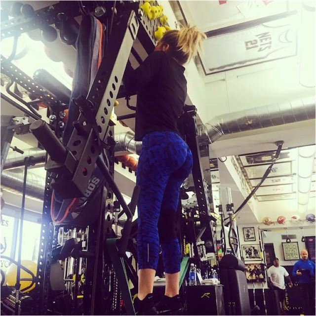 Khloe Kardashian doing workout in gym