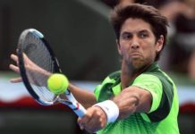Fernando Verdasco playing the backhand shot
